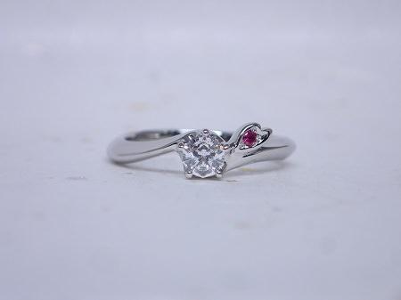 15122702プラチナの婚約指輪B_001.JPG