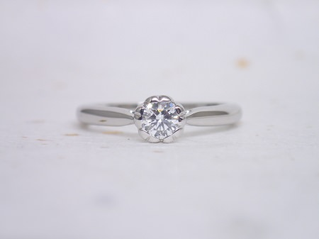 16092701プラチナの婚約指輪_H001.JPG
