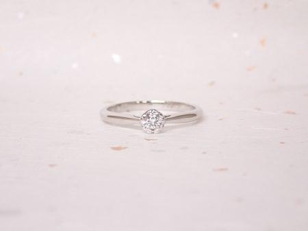 18093001プラチナの婚約指輪_Q001.JPG