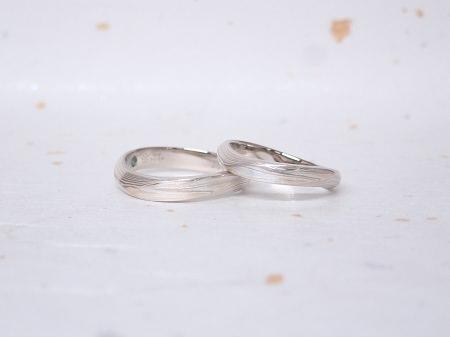 18112201杢目金の結婚指輪_Q004.JPG