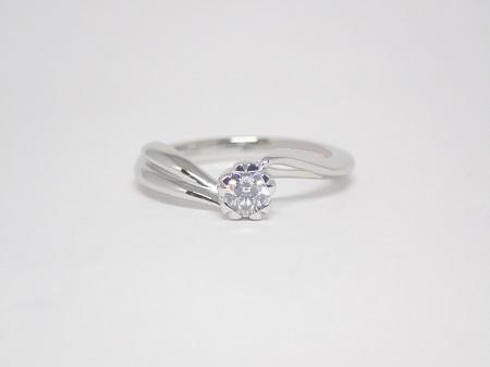 21022102プラチナの婚約指輪_B001.JPG