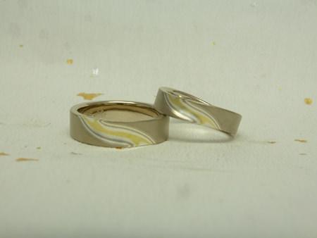 110228グリ彫りの結婚指輪_神戸店002.jpg