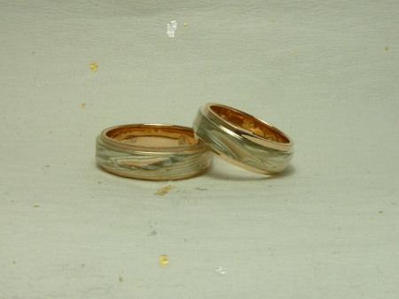 110413グリ彫りの結婚指輪_名古屋店02.jpg