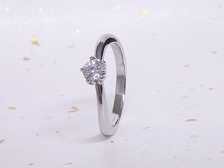 13103101プラチナの婚約指輪Z_002.JPG