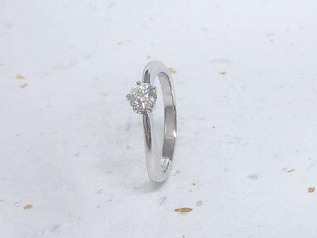 13113001プラチナの婚約指輪_002.JPG
