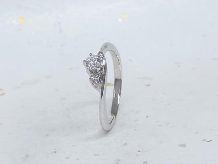 13122902プラチナの婚約指輪B_002.jpg