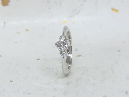 14052502単色の婚約指輪_H002.jpg