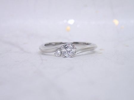 16062501杢目金屋の婚約指輪と結婚指輪N003.JPG
