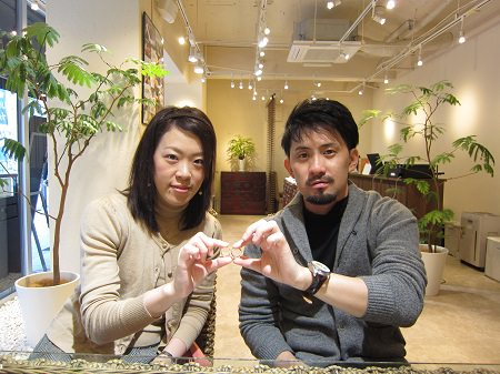16103001グリ彫り結婚指輪_B001.JPG
