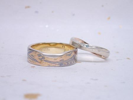 16112801杢目金の結婚指輪_R004.JPG
