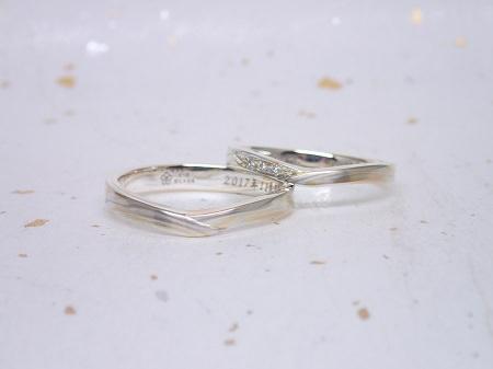 17100901杢目金屋結婚指輪_L004.JPG