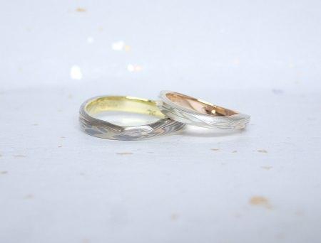 18062401杢目金の結婚指輪_C04.JPG