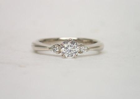 18112301杢目金の婚約指輪01.JPG