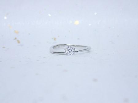 17111201プラチナの婚約指輪_Q004.JPG