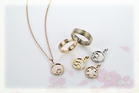 木目金の結婚指輪とペンダント.jpg