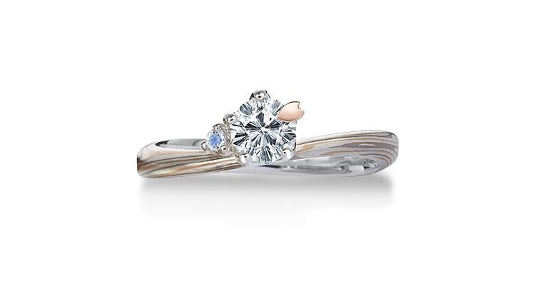 Engagement ring(Koi-kaze): Moonstone on the surface