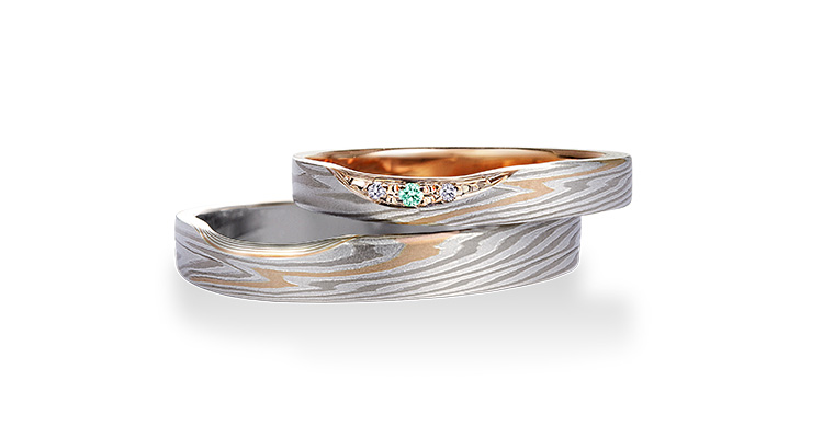 Wedding ring(Beni-hitosuji): sea-green diamond on the surface